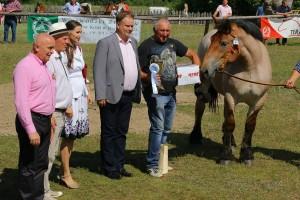 Wręczanie nagród Panu Jerzemu Kondratiuk